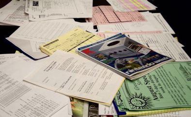 messy-desk-1